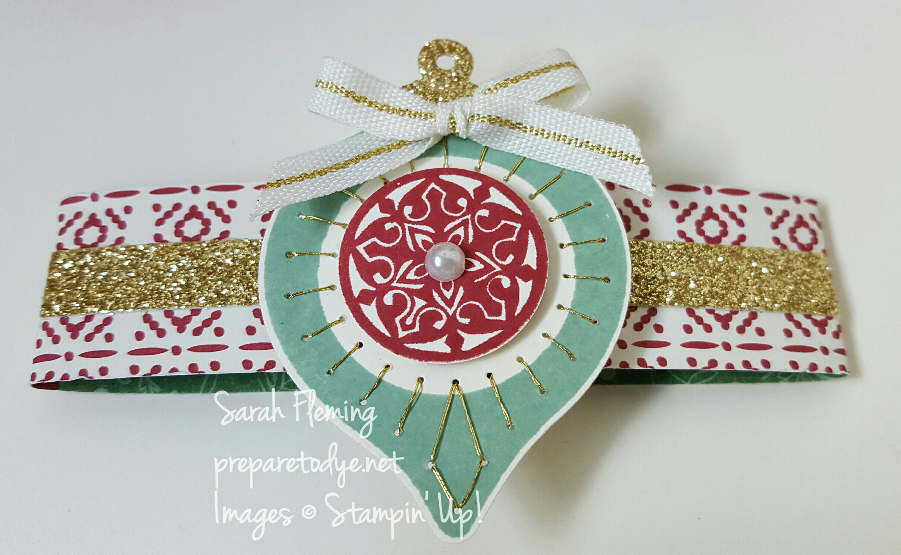 Double Gatefold card belly band - Festive Season bundle from Stampin' Up! - Sarah Fleming - Prepare to Dye